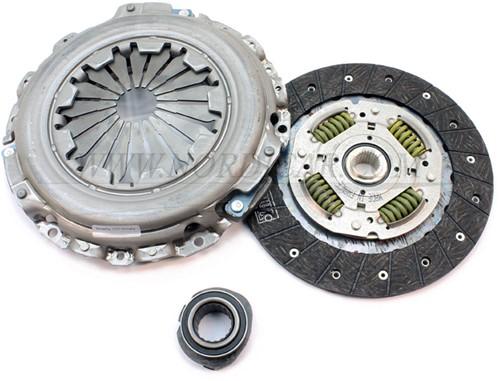 Koppelingset incl. druklager Volvo S/V40 -00 D4192T/T2 272444