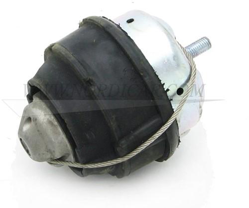 Motorsteun rubber Voor Volvo S60 S80 V70 XC90 99-08 D52XX (TDI + D5) 30680751