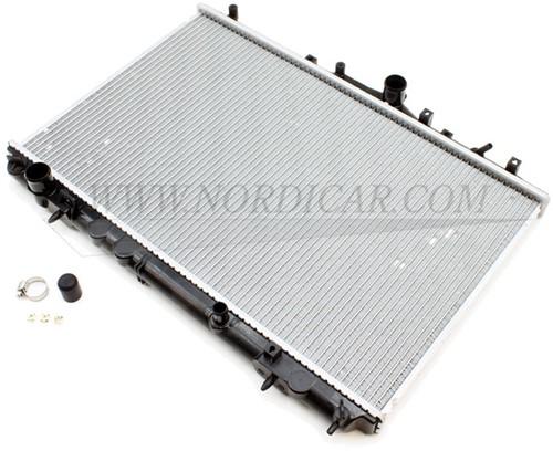 Radiator Volvo S40 V40 met 4 cilinder benzinemotor zonder Turbo Volvo S/V40 00-04 z/turbo excl B4184SM 8601843