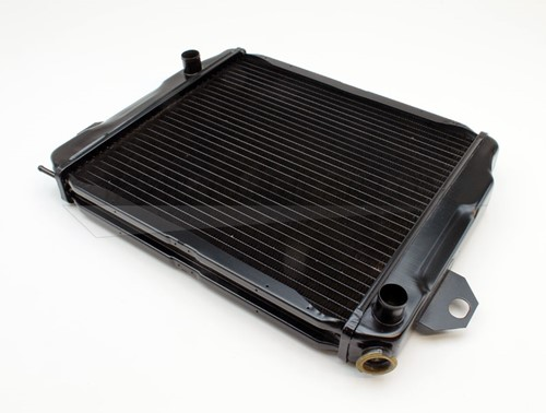 Radiator: RUIL!! Volvo 142 144 145 Handgeschakeld Volvo 142 144 145 71- handgeschakeld 8601904